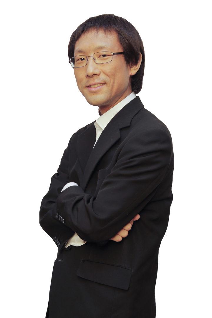 Akimitsu Narita